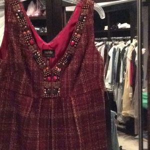 Brown and red sleeveless dress, jewels, laundry, 8